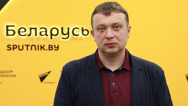 Писатель Семен Уралов - Sputnik Таджикистан