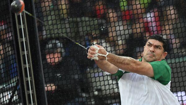 Дильшод Назаров на чемпионате мира на Лондонском стадионе, архивное фото - Sputnik Тоҷикистон