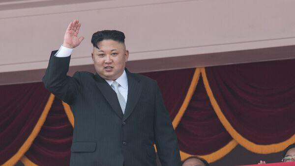 Праздничные мероприятия, посвященные 105-й годовщине со дня рождения Ким Ир Сена, в КНДР, архивное фото - Sputnik Тоҷикистон