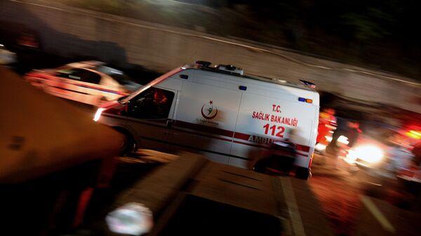 Автомобиль скорой помощи в Турции, архивное фото - Sputnik Таджикистан