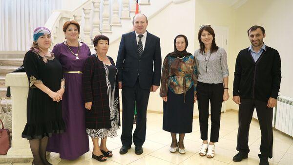 Преподавательский состав из Республики Дагестан в посольстве РТ - Sputnik Тоҷикистон