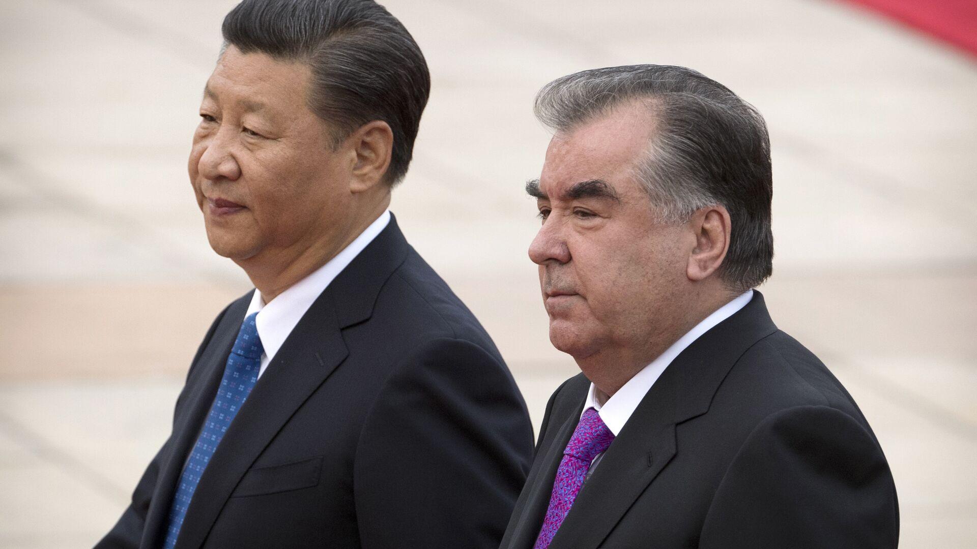 Председатель Китая Си Цзиньпин и президент Таджикистана Эмомали Рахмон в Пекине - Sputnik Тоҷикистон, 1920, 26.07.2021