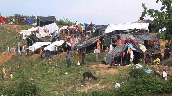 Беженцы рохинджа, бежавшие в Бангладеш из Мьянмы - Sputnik Тоҷикистон