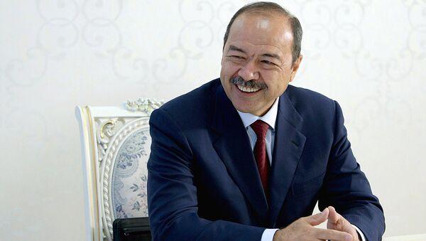 Премьер-министр Узбекистана Абдулла Арипов встретился с президентом Кыргызстана Алмазбеком Атамбаевым - Sputnik Таджикистан