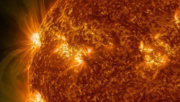 Вспышка на Солнце, архивное фото - Sputnik Таджикистан