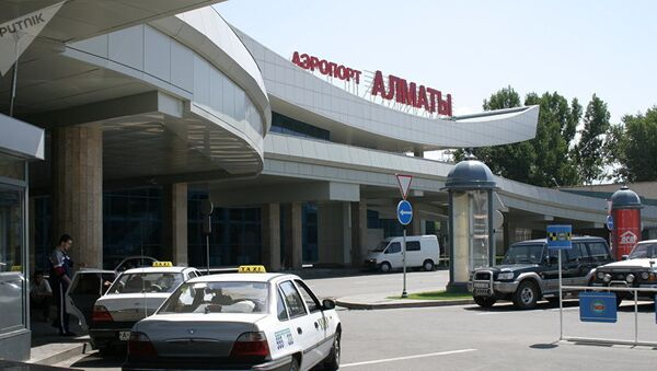 Аэропорт в Алматы, архивное фото - Sputnik Таджикистан