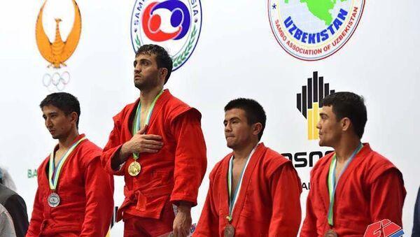 Акмалиддин Каримов - чемпион Азиатских игр по самбо, Ашхабад 2017 - Sputnik Таджикистан