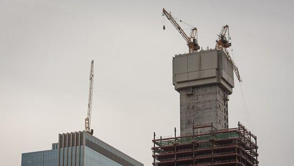 Стрела башенного крана надломилась на строящемся Абу-Даби Плаза в Астане - Sputnik Таджикистан