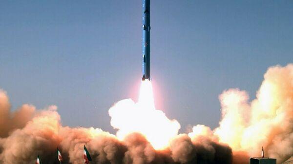 Запуск Иранской ракеты, архивное фото - Sputnik Тоҷикистон