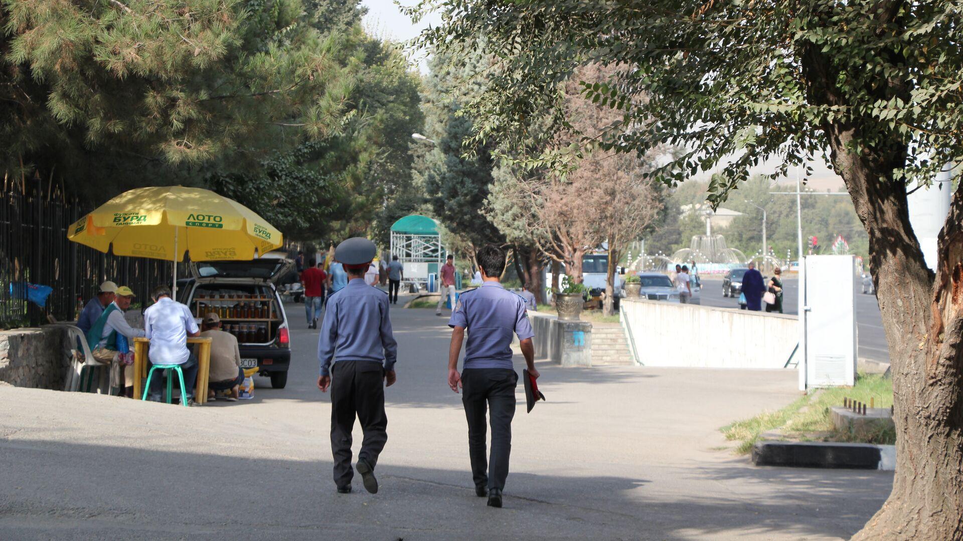 Сотрудники МВД Таджикистана - Sputnik Таджикистан, 1920, 26.06.2021