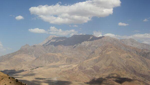 Памир, горы в Таджикистане  - Sputnik Таджикистан