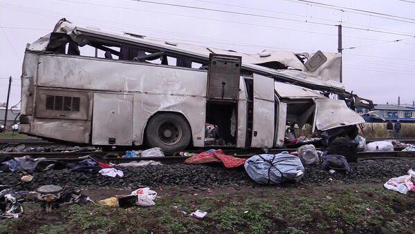 Автобус и поезд столкнулись на ж/д переезде во Владимирской области - Sputnik Тоҷикистон