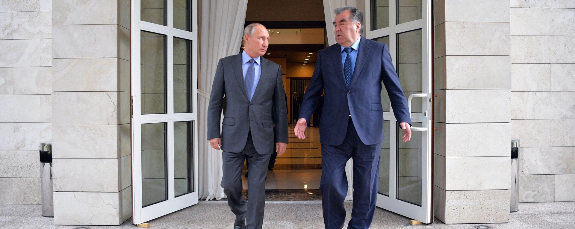 Встреча президента РФ В. Путина с президентом Таджикистана Э. Рахмоном - Sputnik Таджикистан, 1920, 07.10.2021