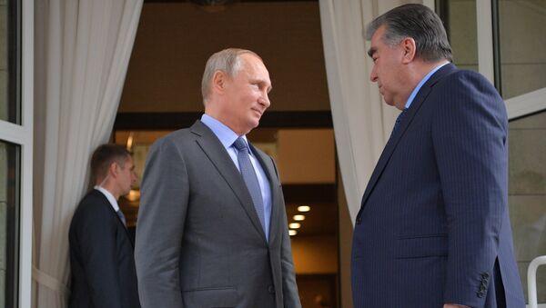 Президент России Владимир Путин и президент Республики Таджикистан Эмомали Рахмон - Sputnik Тоҷикистон