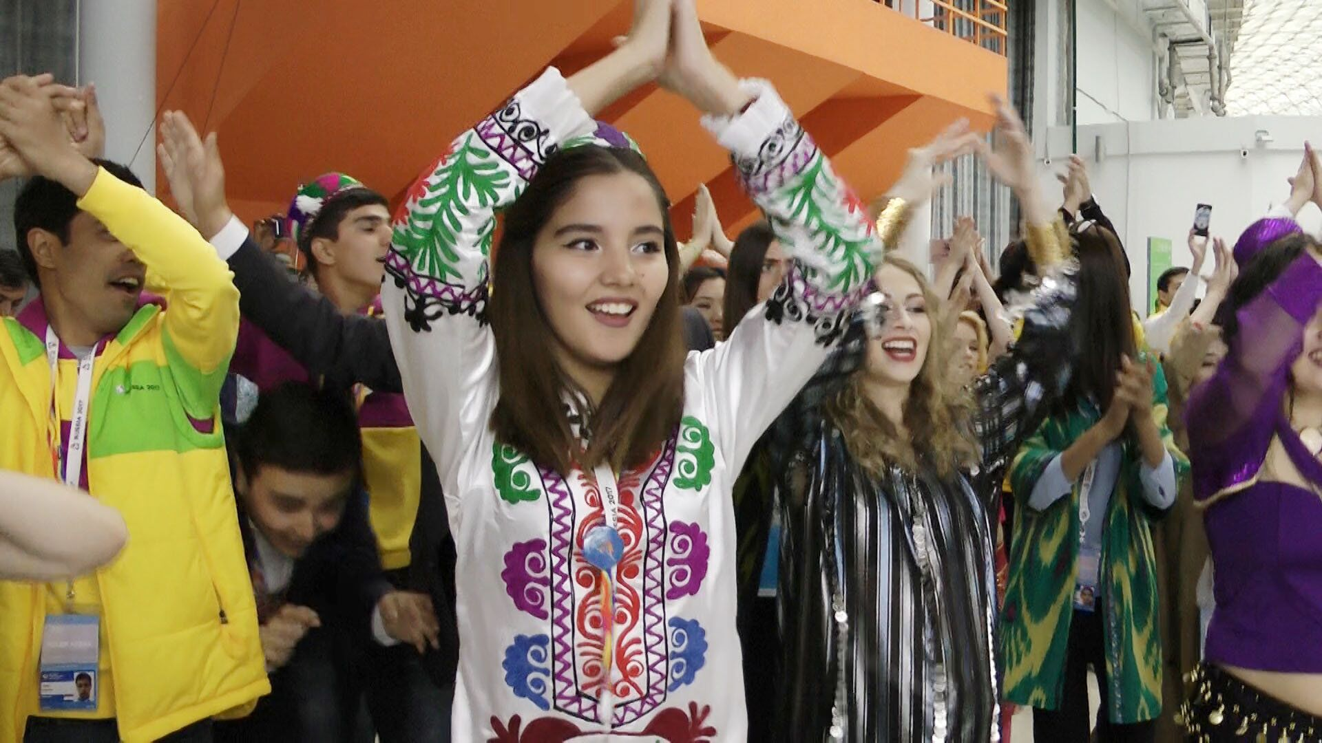 Таджикские студенты устроили флешмоб на ВФМС - Sputnik Тоҷикистон, 1920, 06.04.2021