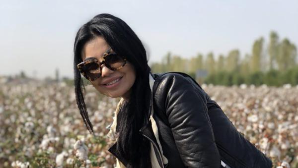 Певица Шахзода собирает хлопок - Sputnik Таджикистан