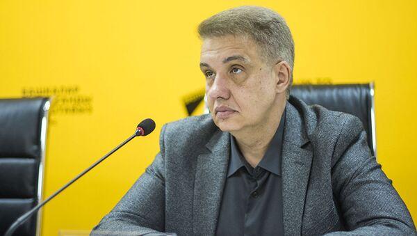 политолог Игорь Шестаков - Sputnik Таджикистан
