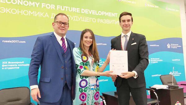 Студентка 4-го курса Зарнигор Набиева на Фестивале Молодежи и Студентов в Сочи - Sputnik Таджикистан