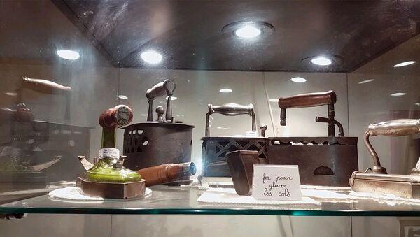 Необычный музей утюгов во Франции - Sputnik Таджикистан
