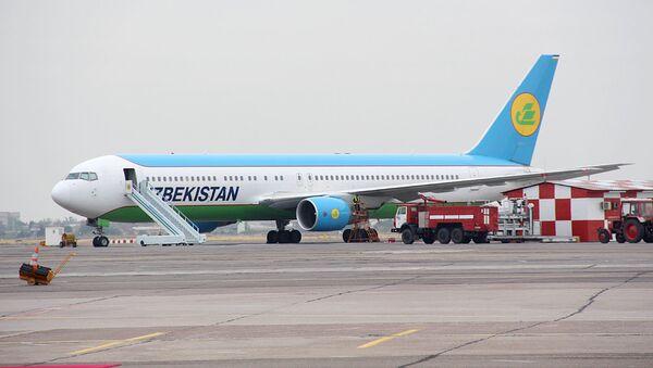Самолет Узбекских авиалиний Boeing 767 (300ER), архивное фото - Sputnik Таджикистан