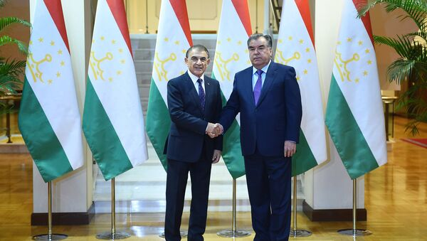 Эмомали Рахмон и Ара Баблоян - Sputnik Таджикистан