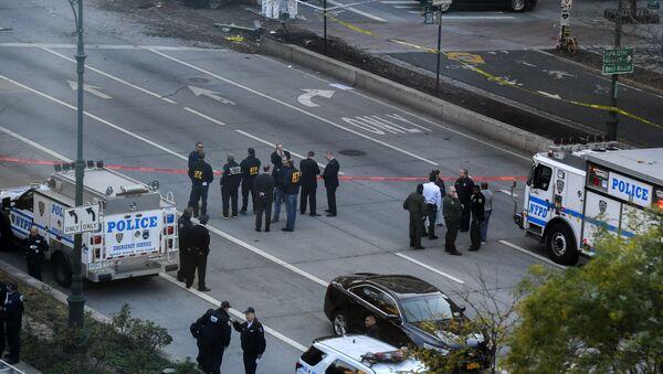 На месте наезда грузовика на людей в Нью-Йорке. 31 октября 2017 - Sputnik Таджикистан