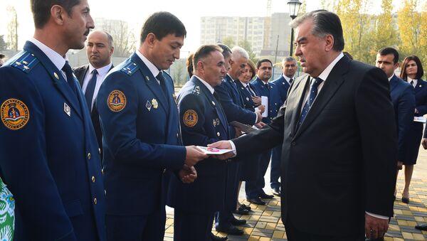 Ввод в эксплуатацию многоквартирного дома прокурорских сотрудников - Sputnik Тоҷикистон