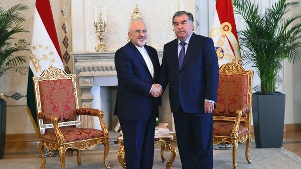 Президент Таджикистана Эмомали Рахмон и министр иностранных дел Ирана Мохаммад Джавад Зариф - Sputnik Таджикистан