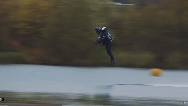 Британский бэтмен: инженер установил рекорд, создав летающий костюм - Sputnik Тоҷикистон
