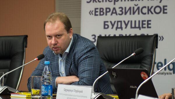 Профессор Высшей школы экономики (НИУ ВШЭ), политолог Олег Матвейчев - Sputnik Таджикистан
