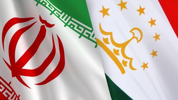 Флаги Ирана и Таджикистана, архивное фото - Sputnik Таджикистан