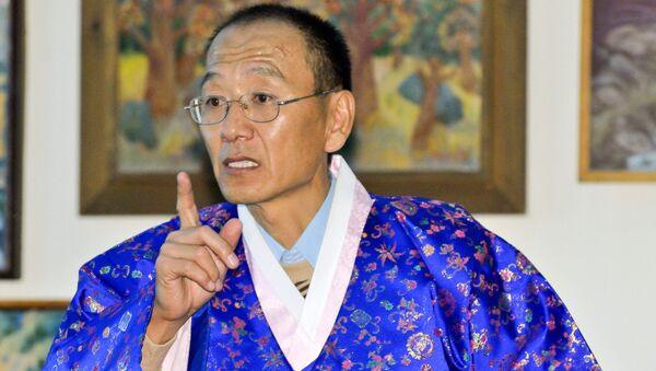 Глава корейской общины в Таджикистане Виктор Ким, архивное фото - Sputnik Таджикистан
