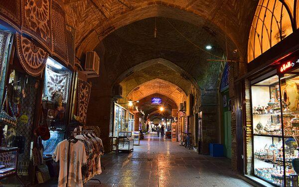Туристический, сувенирный базар в Исфахане - Sputnik Таджикистан