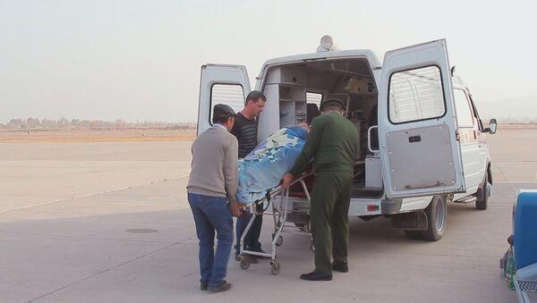 Военные медики эвакуировали учительницу русского языка из Таджикистана на лечение в Москву - Sputnik Таджикистан