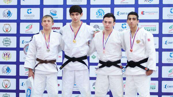 Махмадбек Махмадбеков - чемпион России по дзюдо в категории 66 кг среди юниоров - Sputnik Таджикистан