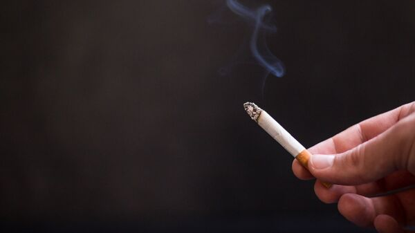 Сигарета, архивное фото - Sputnik Таджикистан