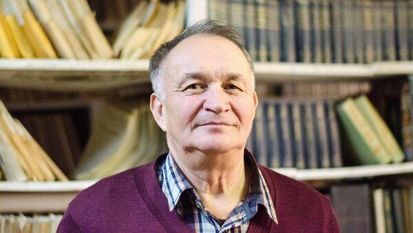 Наиль Бахтигараев - сотрудник Института астрономии РАН, архивное фото - Sputnik Таджикистан
