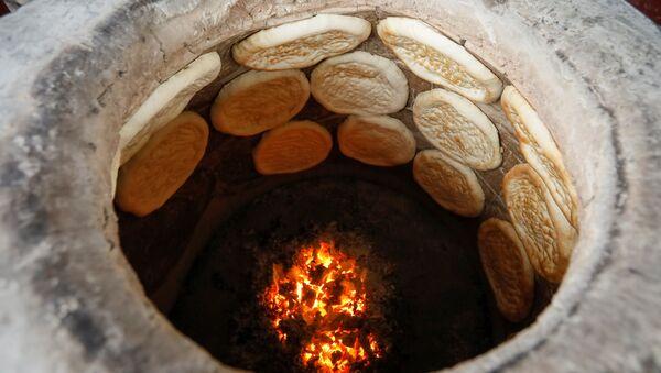 Какой хлеб пекут в разных странах мира - Sputnik Тоҷикистон