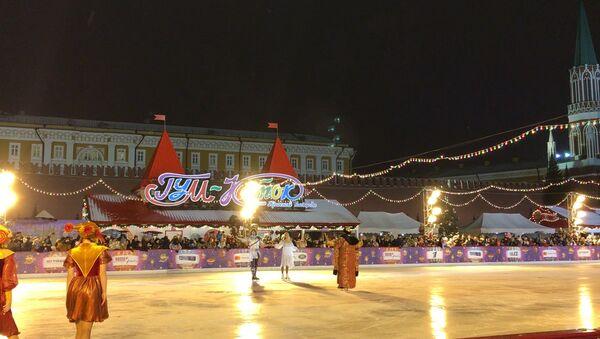 Навка и Чернышев выступили на открытии катка на Красной Площади - Sputnik Таджикистан