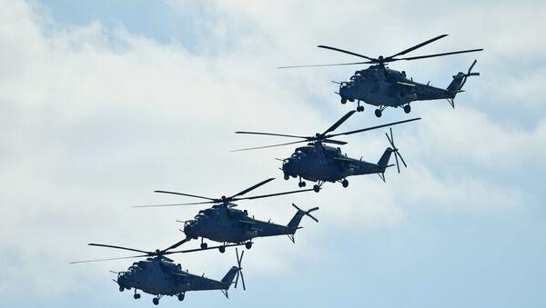 Ударные вертолеты Ми-35, архивное фото - Sputnik Таджикистан