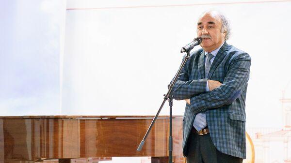 Бури Каримов на Вечере таджикской поэзии - Sputnik Таджикистан