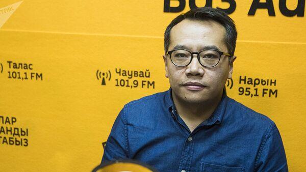 Предприниматель Сыргак Самудинов во время интервью на радио Sputnik Кыргызстан, архивное фото - Sputnik Таджикистан