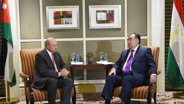 Президент РТ Эмомали Рахмон и председатель Сената Иордании Файсал ал-Фаиз - Sputnik Тоҷикистон