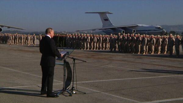 Путин прилетел в Сирию и приказал вывести войска - Sputnik Тоҷикистон