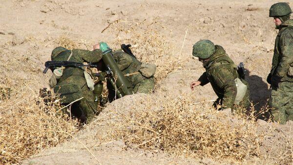 Минометчики 201 военной базы оттачивают мастерство на горном полигоне Ляур - Sputnik Таджикистан