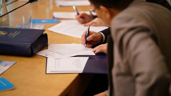 Подпись документов, архивное фото - Sputnik Таджикистан