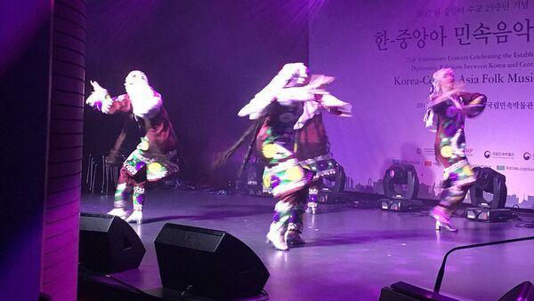 Фестиваль танцев в Сеуле - Sputnik Тоҷикистон