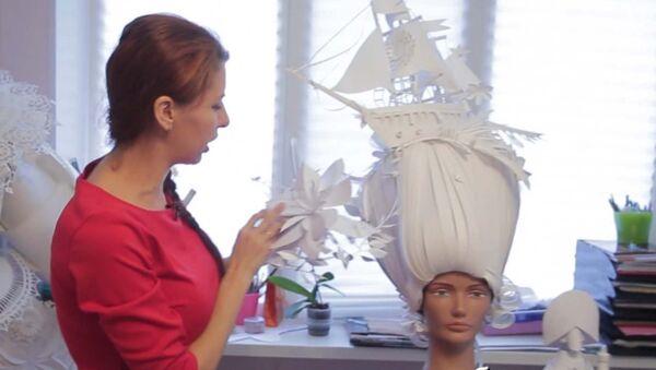 Художница из Санкт-Петербурга делает наряды, парики и украшения из бумаги - Sputnik Таджикистан