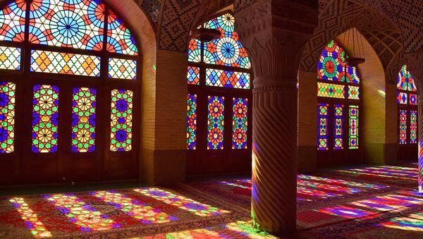 Невероятные узоры и витражи розовой мечети, Насир оль-Мольк - Sputnik Тоҷикистон