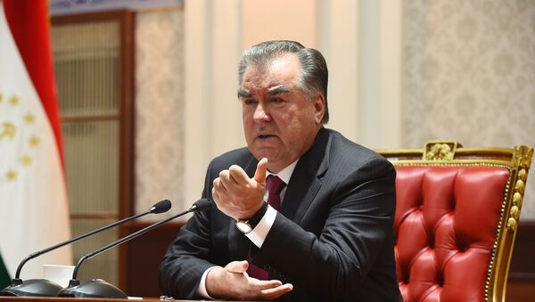 Президент Республики Таджикистан Эмомали Рахмон, архивное фото - Sputnik Таджикистан